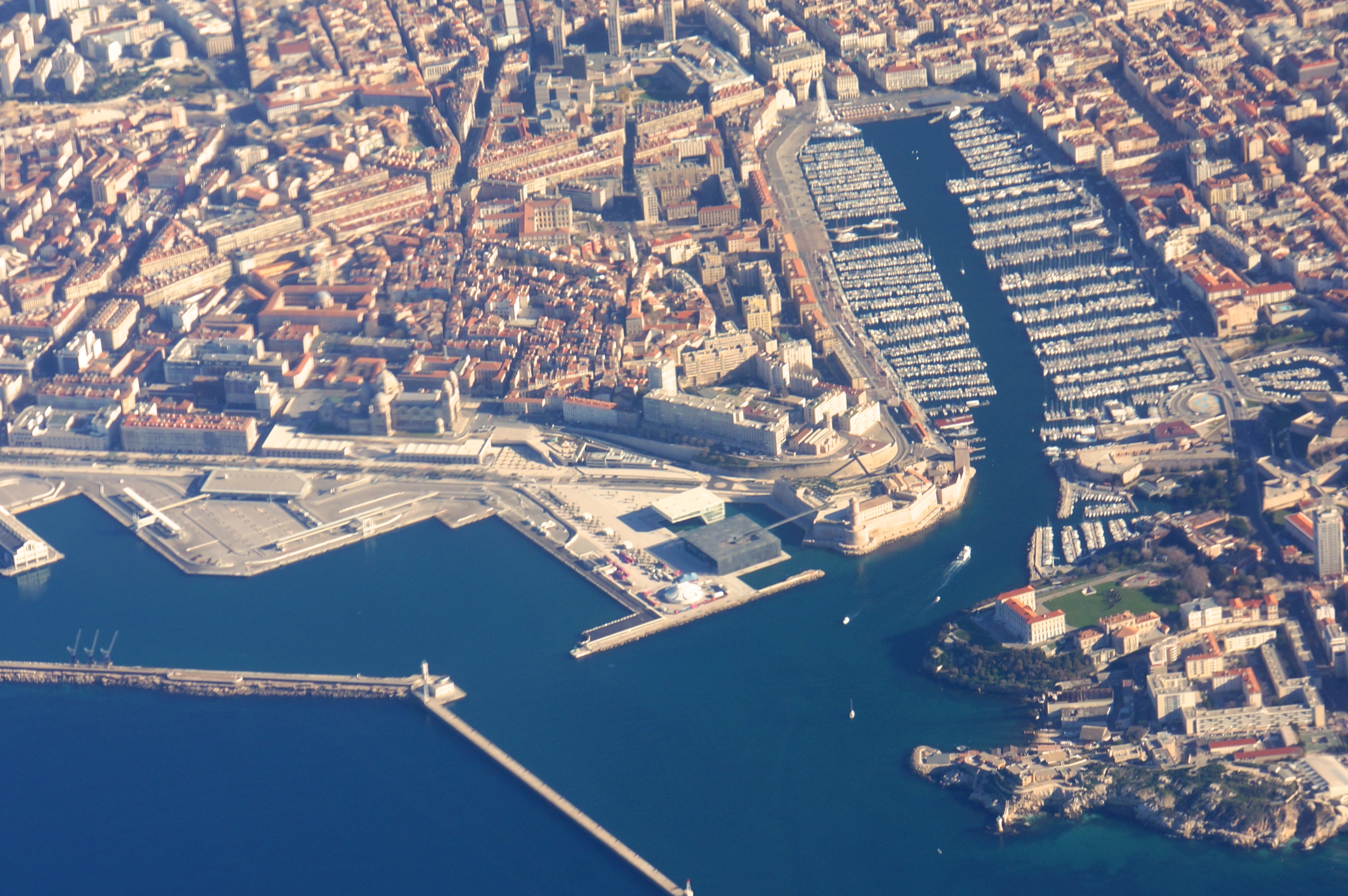how to get from marseille to aix en provence